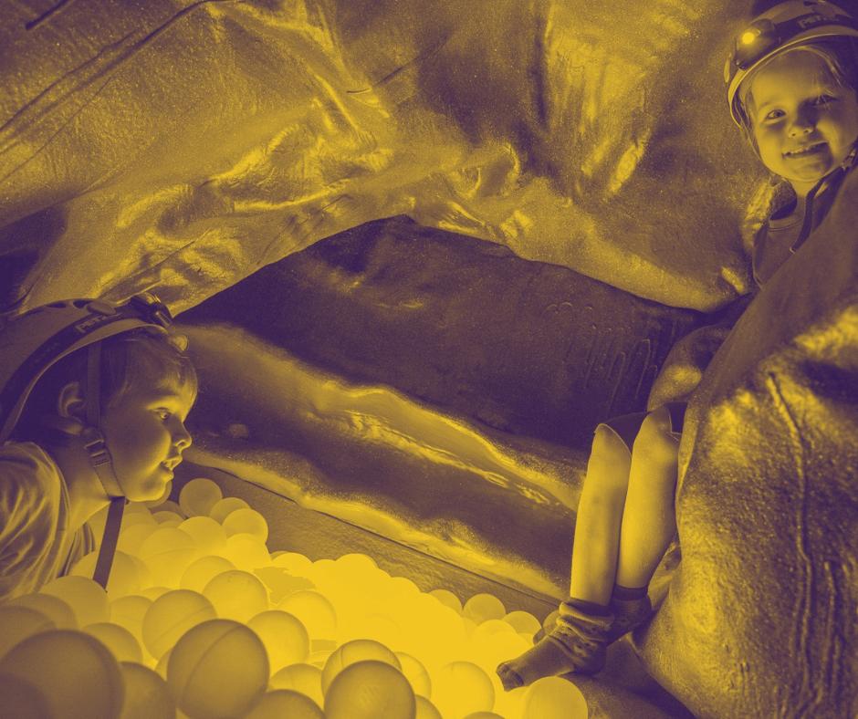 Luolaseikkailu sopii lapsille ja aikuisille